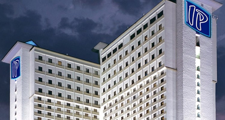 Stay at the Imperial Palace in Biloxi